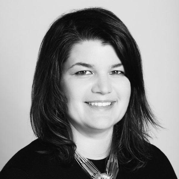 Flore Morton - Fashion Styling Associate Director